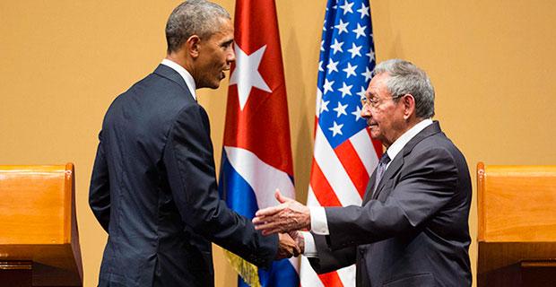 Barack Obama e Raúl Castro, presidente de Cuba