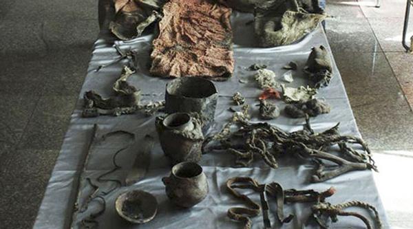 Furor en Redes sociales por el hallazgo de una momia de 1500 años con calzado moderno - 1
