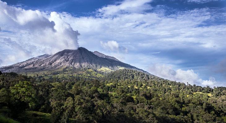 El-volcan-Turrialba,-Costa-Rica