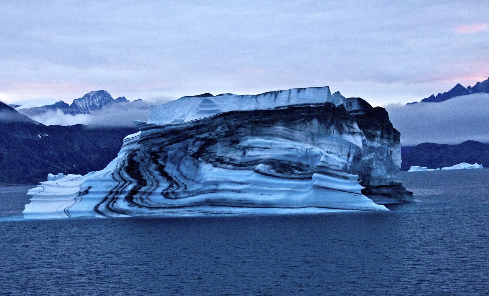 [Imagen: hielo.negro.1.jpg]