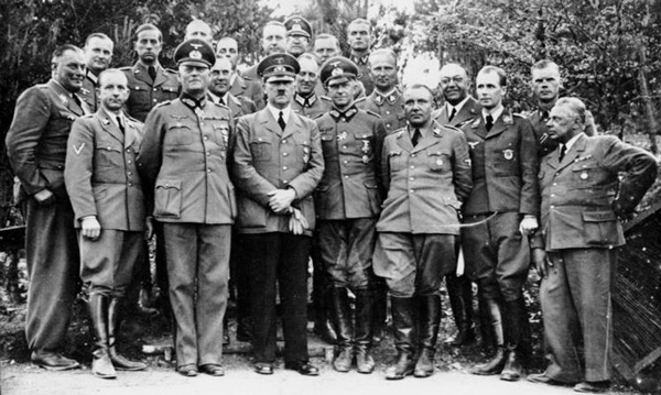 Theodor Equipo Hitler