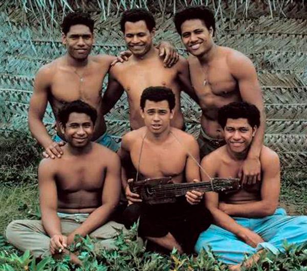 Niños de Tonga al regreso
