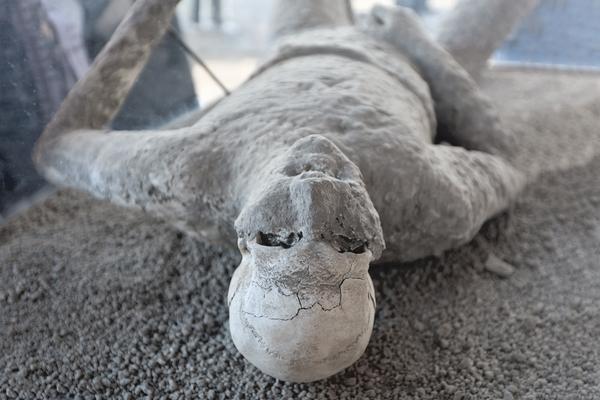 El misterioso homicidio que la erupción del Vesubio ocultó durante 2 milenios - 1