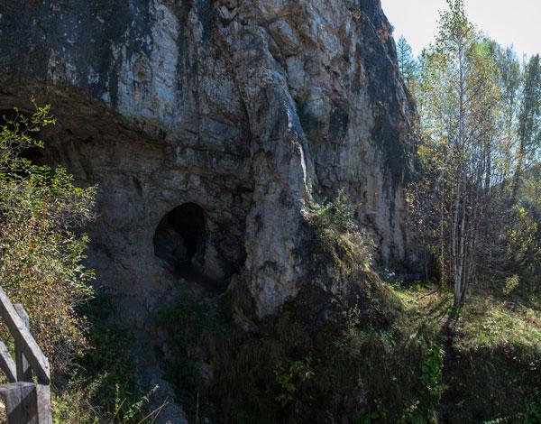 1503.H.Cueva