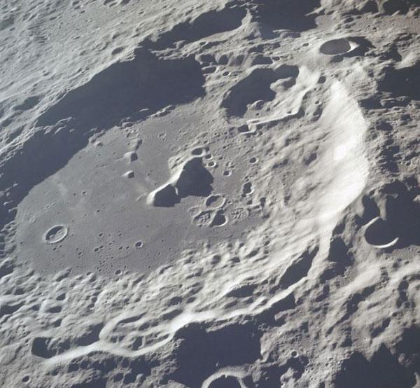 1906.H.N2.Luna2