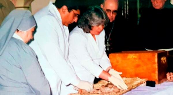 2002.H.N1.Exhumar