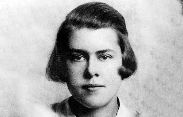 La espía comunista que pudo desatar una guerra atómica para asegurar la paz del mundo - 2