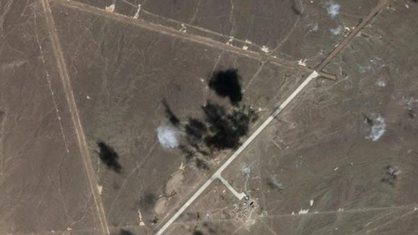 Imágenes satelitales de las pistas de 5 kilómetros en Lop Nur, dispuestas en forma triangular.