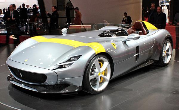 Ferrari Monza SP1 en el Salón del Automóvil de París 2018.