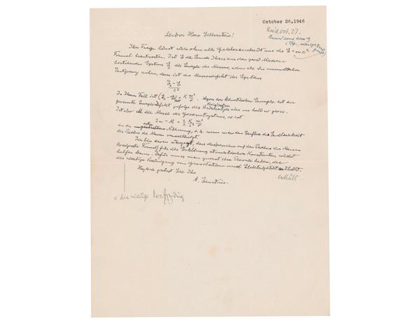 En esta foto sin fecha, proveída por la casa de subastas RR Auction, se ve una carta escrita por Albert Einstein, en la cual este escribió su famosa ecuación