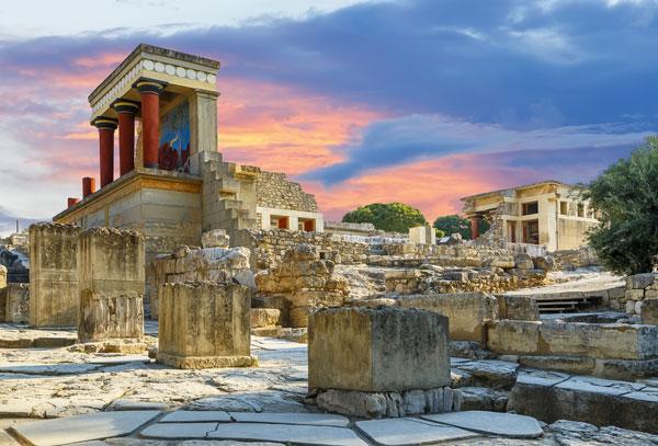Imagen del palacio Knossos de Creta, en el Palacio de los Knossos de Grecia, el sitio arqueológico más grande de la Edad de Bronce en Creta y el centro ceremonial y político de la civilización y cultura de Minoan.
