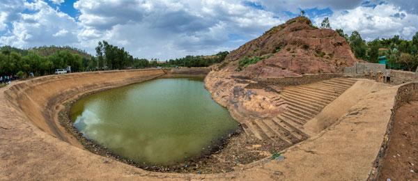 Imagen de una cisterna May Shum, construida por la reina de Sheba en el primer milenio antes de Cristo, en la civilización Aksum, en Etiopía.