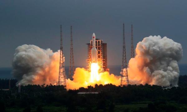 El cohete Gran Marcha-5B Y2, que lleva el módulo Tianhe, despegó el 29 de abril de 2021.