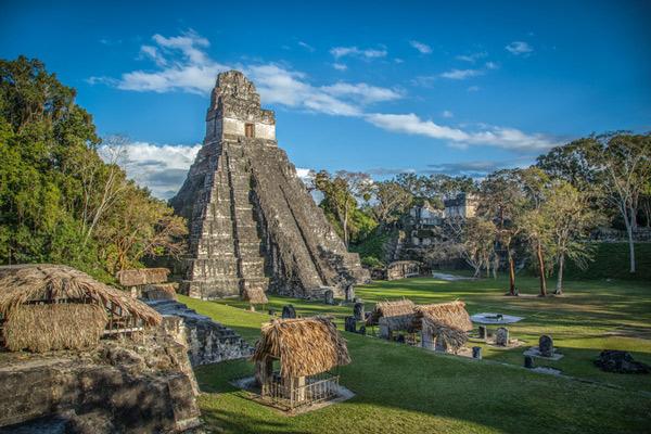 Pirámide Maya en Tikal.