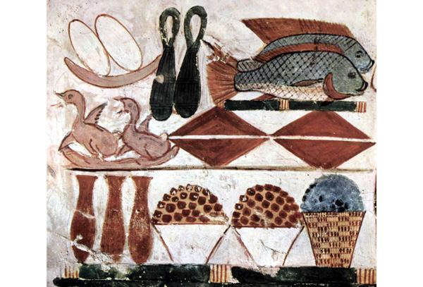 Ofrendas de alimentos en la tumba de Menna (1400 a.C.). Se ven, entre otros alimentos patos, peces y ánforas de vino.