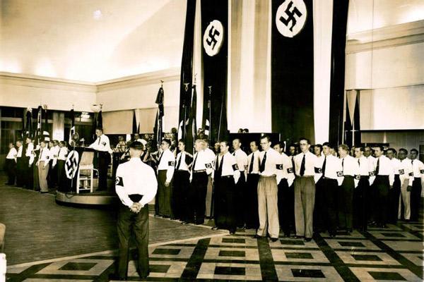 Descubren la lápida de un jerarca nazi, oculta en una casa de Argentina - 3