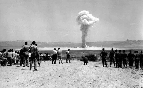 Ensayos nucleares: el terrible final de los fotógrafos de Hollywood - 2