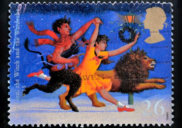 Estampa impresa en Gran Bretaña del León, La bruja y El Ropero (1988).