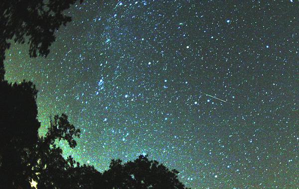 Llegan las Perseidas: la lluvia de estrellas más esperada del año - 1