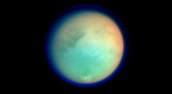 Imagen de Titán obtenida en infrarrojo por la misión Cassini/Huygens.