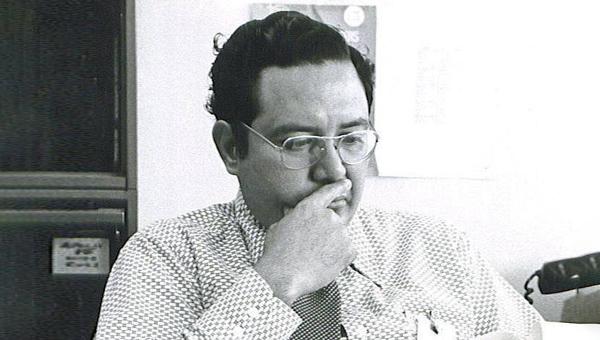 Arturo Campos, gerente del subsistema de energía eléctrica del módulo lunar Apolo 13.