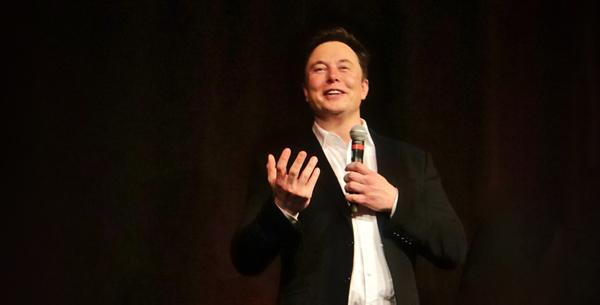 Elon Musk en una conferencia.