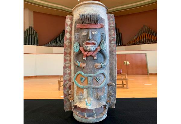 Urna maya en detalle.
