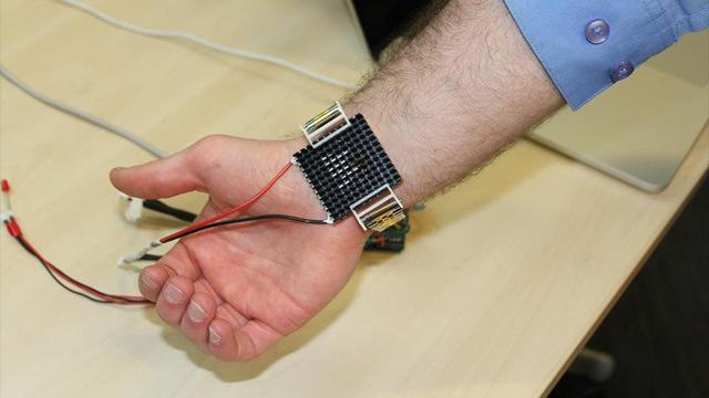 pulsera.2 - Soprendente: presentan una pulsera que reemplazará al aire acondicionado